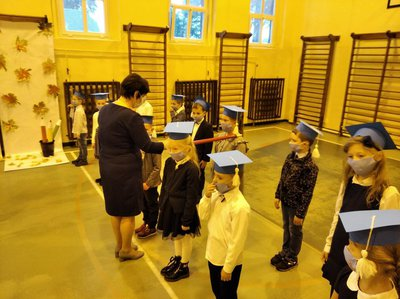 Galeria Uroczystość zaprzysiężenia pocztu sztandarowego i pasowanie uczniów klas pierwszych Szkoły Podstawowej im. Ojca Konrada Stolarka w Rychtalu